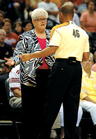 Fever coach Dunn honored with nod into Hall of Fame