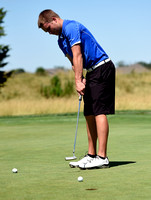 Local men???s golfers strive to improve during summer